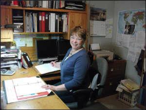 Overwhelmed desk = overwhelmed feelings?